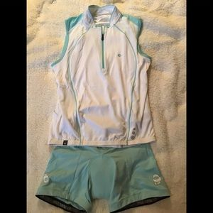 Pearl Izumi ladies cycling top and padded shorts